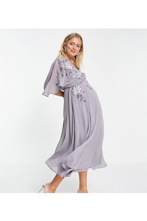 ASOS Ženy Maxi - ASOS DESIGN Maternity blouson embroidered maxi dress with cape back-Purple