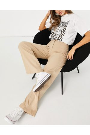 Bershka Wide leg slouchy dad tailored trousers in camel-Neutral