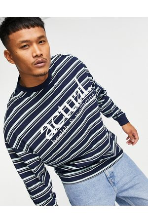ASOS Actual Muži S dlouhým rukávem - Oversized long sleeve t-shirt with all over stripe print and chest logo in navy