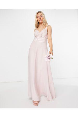 ASOS DESIGN Ženy Maxi - Bridesmaid pleated cami maxi dress with satin trim waist detail-Pink