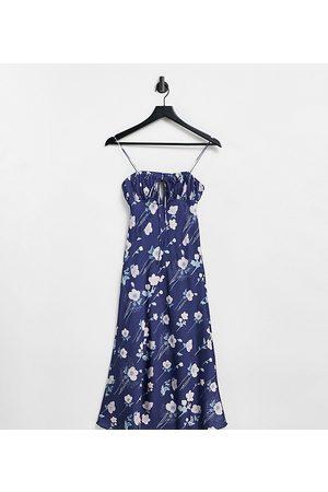 ASOS Ženy Volnočasové - ASOS DESIGN Petite satin bias cut midi slip dress with ruched bust detail in dark floral-Multi