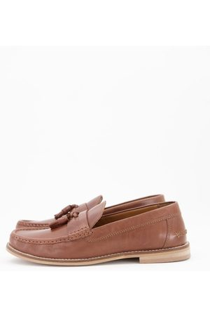 ASOS Tassel loafers in tan leather with natural sole-Brown