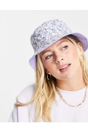 Pieces Ženy Klobouky - Bucket hat in lilac ditsy floral-Multi