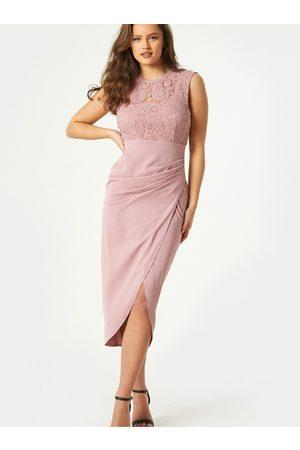 Little Mistress Ženy Pouzdrové - Světle růžové pouzdrové šaty s rozparkem