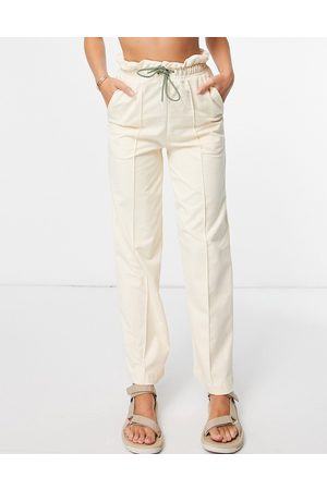 PUMA Ženy Tepláky - Infuse paperbag trousers in cream-White