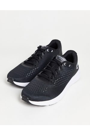 Under Armour Muži Sportovní boty - Running Charged Pursuit 2 trainers in black