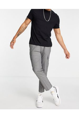 New Look Tapered cargo trousers in grey check