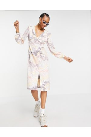 Y.A.S Midi dress with puff sleeve and side split in animal print-Multi