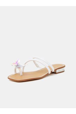 ALDO Ženy Pantofle - Bílé dámské pantofle s ozdobným detailem Garberia