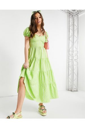Stradivarius Ženy Volnočasové - Milkmaid poplin dress with puff sleeves in green gingham
