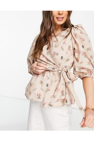 Y.A.S Ženy Zavinovací - Organic cotton wrap top with puff sleeves in floral print-Multi