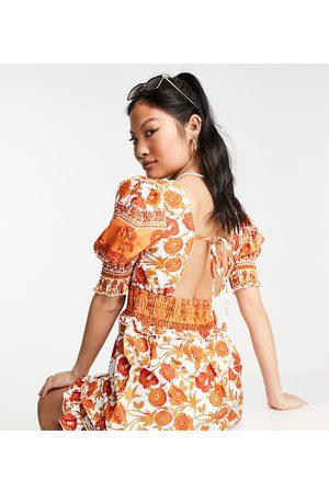 Parisian Petite Ženy Na párty - Tie neck puff sleeve mini dress in floral print-White