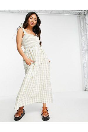 MANGO Ženy Volnočasové - Shirred seersucker summer dress in sage gingham-Green