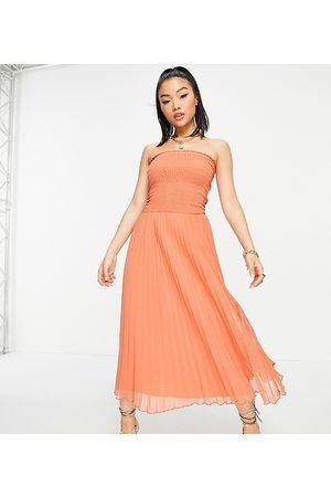 ASOS Ženy Maxi - ASOS DESIGN Petite bandeau pleated maxi dress in rust-Red