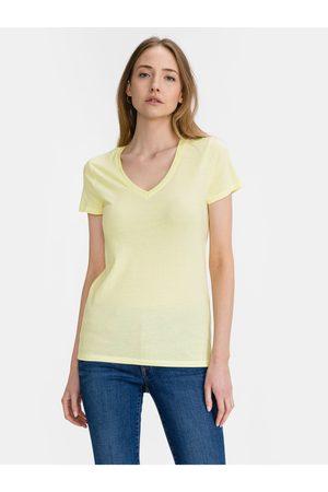 GAP Žluté dámské tričko Logo favorite v-neck t-shirt