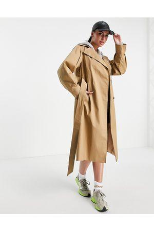 Helene Berman Voloume sleeve wrap trench coat in camel-Neutral