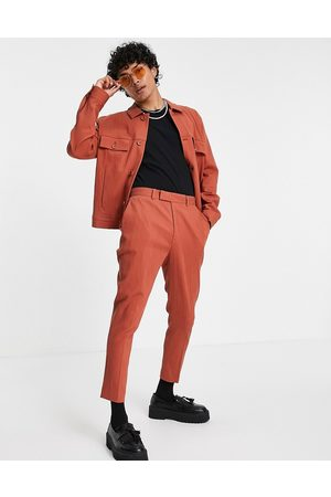 ASOS DESIGN Muži Chino - Co-ord skinny crinkle smart tapered trousers in rust-Brown