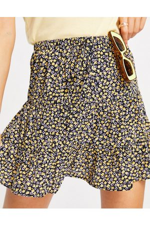 Pieces Mella highwaisted ruffle skirt co ord in black ditsy print-Multi