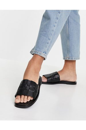 Schuh Ženy Sandály - Tease leather woven slide sandals in black