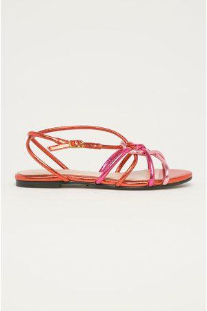Guess Kožené sandály