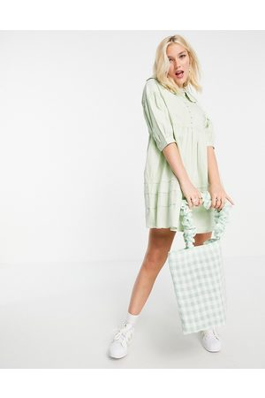 Influence Ženy Volnočasové - Collared mini dress with button down front in sage green