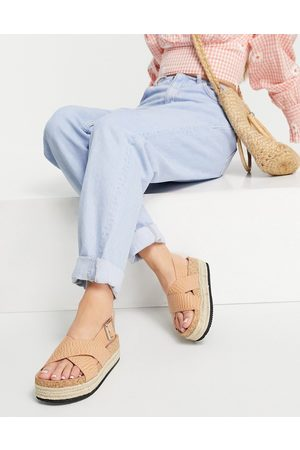 Monki Jannike faux croc flatform sandals in tan-Brown