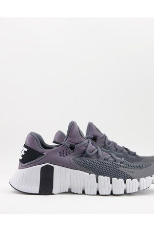 Nike Free Metcon 4 trainers in grey