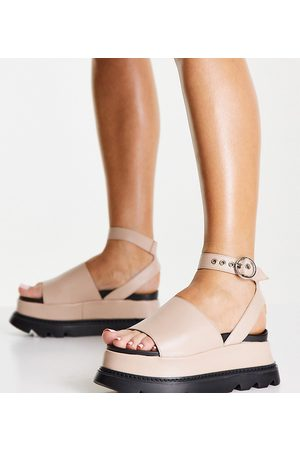 Lamoda Exclusive flatform footbed sandals in cream-White