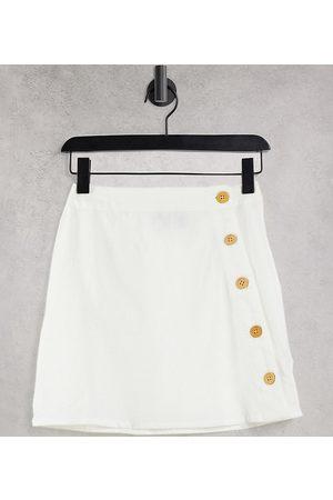ASOS Ženy Krátké - ASOS DESIGN Petite linen look mini skirt with asymmetric button detail in white