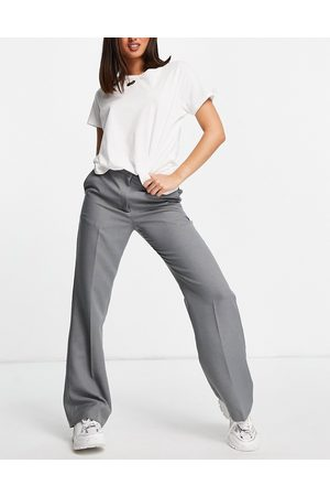 ASOS Ultimate straight leg trouser in charcoal-Grey