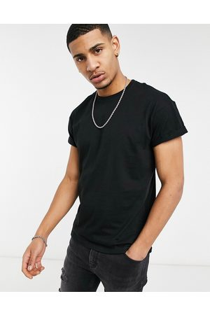 New Look Roll sleeve t-shirt in black