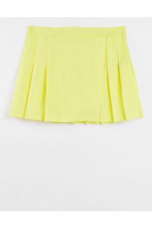 ASOS Pleated mini skirt in lemon-Yellow