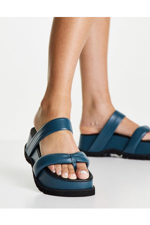 Topshop Ženy Play padded chunky toe post in turquoise-Blue