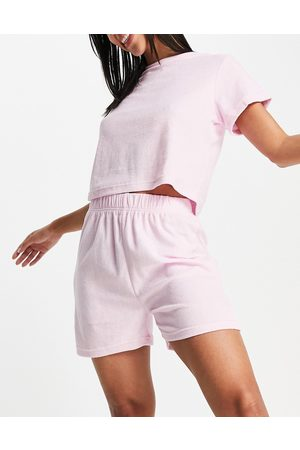 Missguided Ženy Nohavičkové - Towelling tee and shorts set in pink