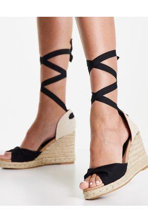 New Look Ženy S otevřenou špičkou - Tie up espadrille wedge heel sandal in black