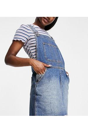Reclaimed Vintage Ženy Krátké - Inspired dungaree denim mini skirt in diesel wash-Blue