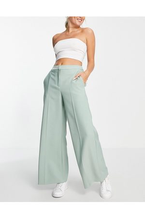 Closet Slouchy wide leg trouser in sage-Green