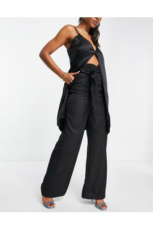 Club L London Wide leg slouchy trouser with belt co ord in black