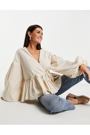 ASOS Ženy Zavinovací - Oversized wrap smock top with blouson sleeve in cream-White