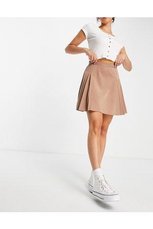 Lola May Pleated tennis mini skirt in cappucino-Brown