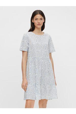 Pieces Bílé květované volné šaty Trine