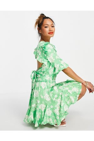 River Island Jacquard floral open tie back co-ord top in green