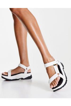 Teva Ženy Sandály - Jadito Universal chunky tech sandals in white