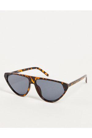 Jeepers Peepers Ženy Sluneční brýle - Triangle lens sunglasses in green tortoise-Brown