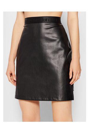 Calvin Klein Sukně z imitace kůže