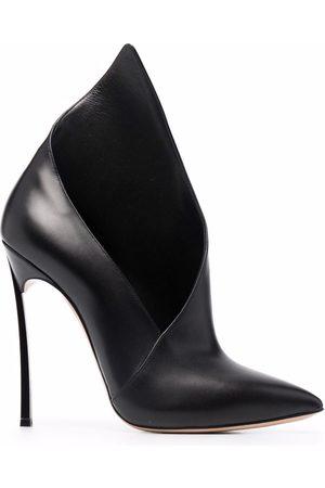 Casadei Ženy Se zavřenou špičkou - Asymmetric high-heeled pumps