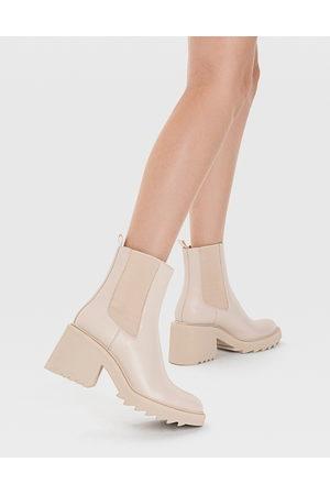 Stradivarius Ženy Na podpadku - Chunky heeled chelsea boot in ecru-White