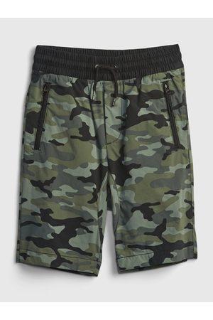 GAP Zelené klučičí dětské kraťasy pull-on hybrid shorts with quickdry.