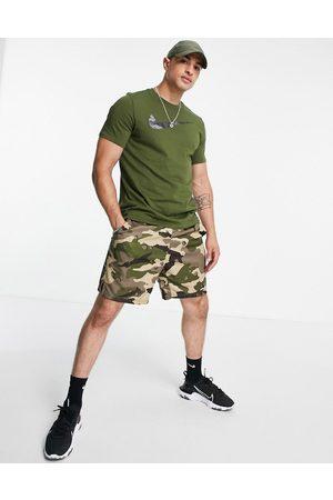 Nike Camo Swoosh t-shirt in khaki-Green