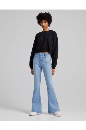 Bershka Ženy Zvonáče - 90's flare jeans in light stone-Blue
